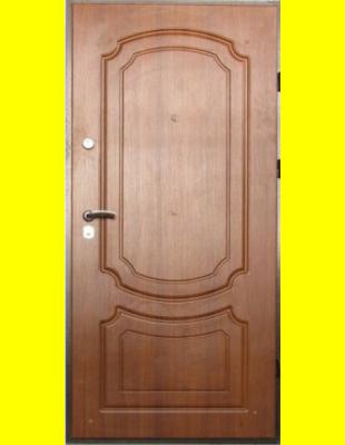 Входные двери недорого VIP Классика светлый орех